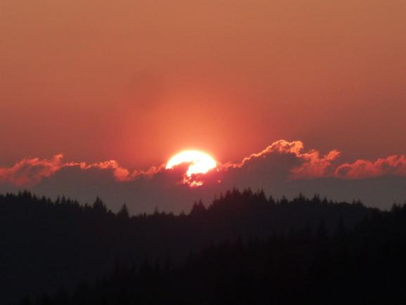 Sonnenuntergang am Ferienhaus im Schwarzwald