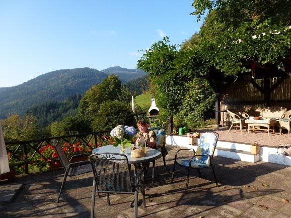 Terrasse und Grillplatz am Ferienhaus